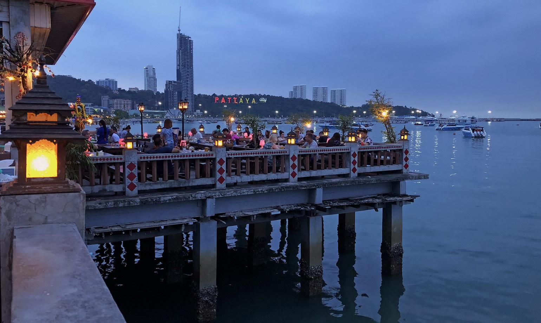 Pattaya Restaurants am Meer - Beer Garden