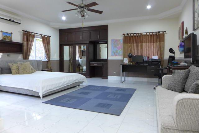 Grosses Schlafzimmer in Ihrem neuen Haus in Pattaya