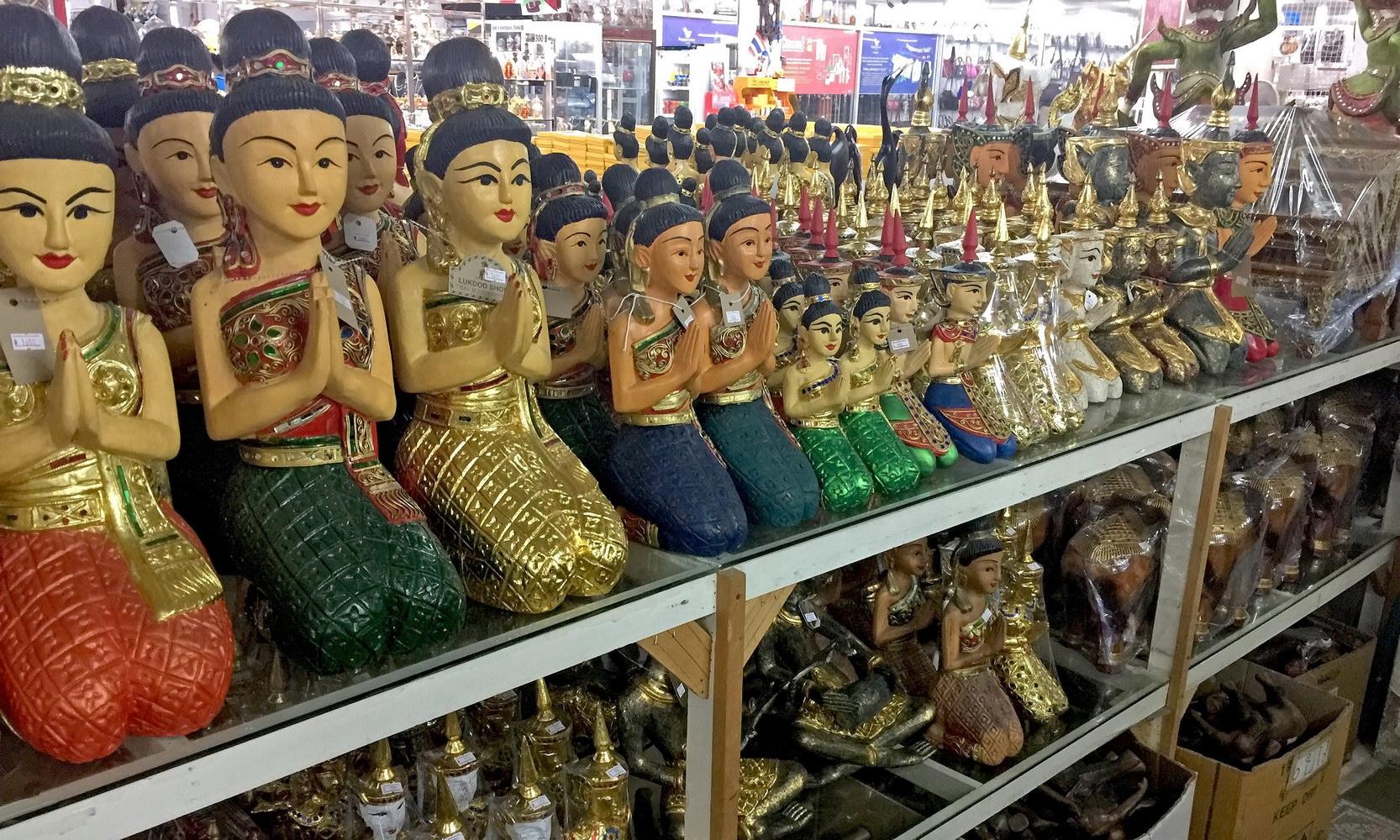 Alle Arten von Reiseandenken und Geschenken in Nord Pattaya - Lukdod