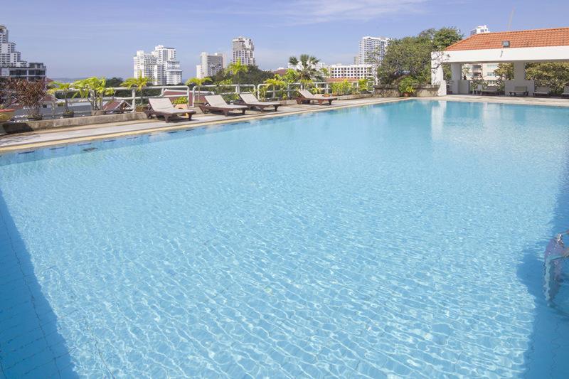 Swimmingpool im Pattaya Hill Resort