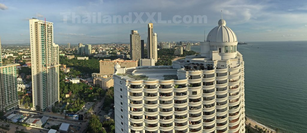 Blick vom Wongamat Tower in Richtung Süden (Pattaya)