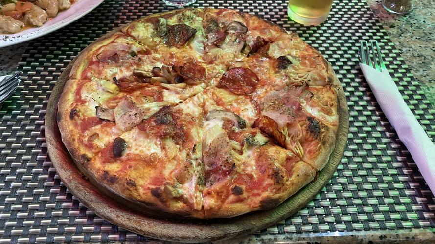 Pizza Cappriciosa im Rinapp Pattaya