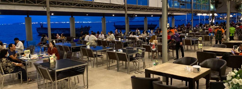 Fischrestaurant - Meeresfrüchte am Meer in Naklua Pattaya